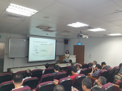 Examiner Yu-Chieh Tseng explain the development process and regulatory review procedures of medical equipment